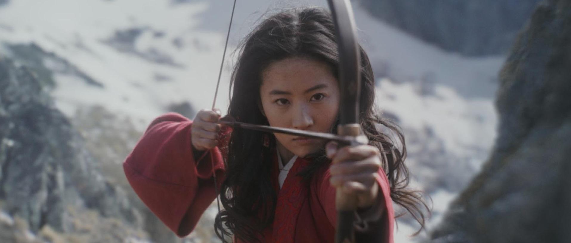 Yifei Liu em cena de 'Mulan'(Crédito: Divulgação / Disney)