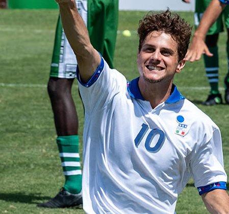 'O Divino Baggio', filme do craque italiano, ganha trailer legendado