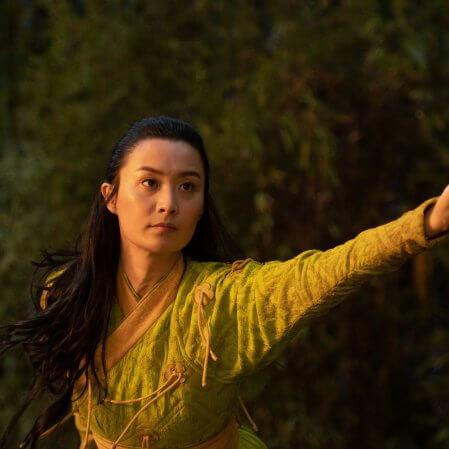 """Atriz de 'Shang-Chi' quase perdeu o papel no filme: """"Eu estava no meio da Antártica"""""""