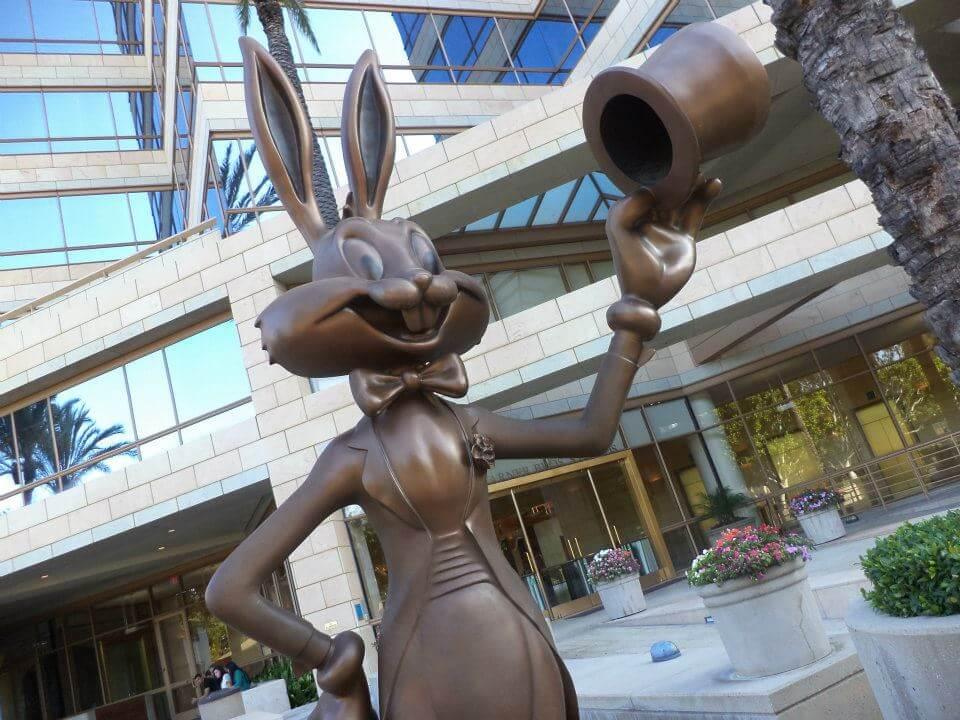 WarnerMedia y Discovery Bugs Bunny