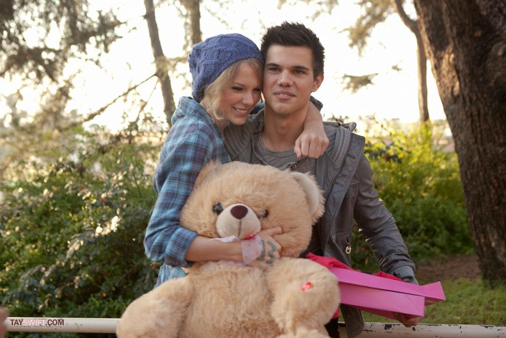 Taylor Swift y Taylor Lautner en 'El día de los enamorados'